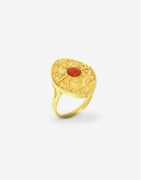 Ring Gold 18K with Coral